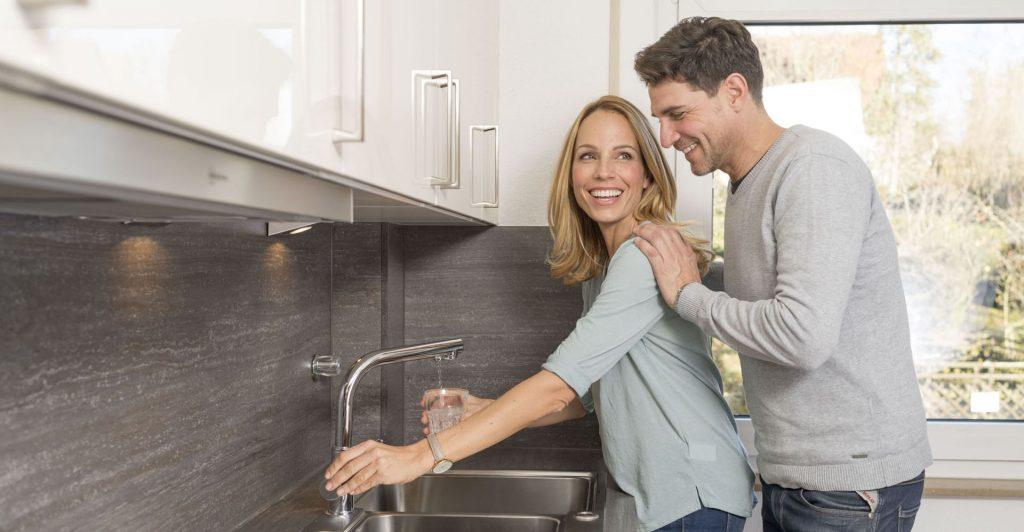 Mikroplastik im Trinkwasser perma-trade Küche Einbau vital premium und permaquell Trinkwasserfilter